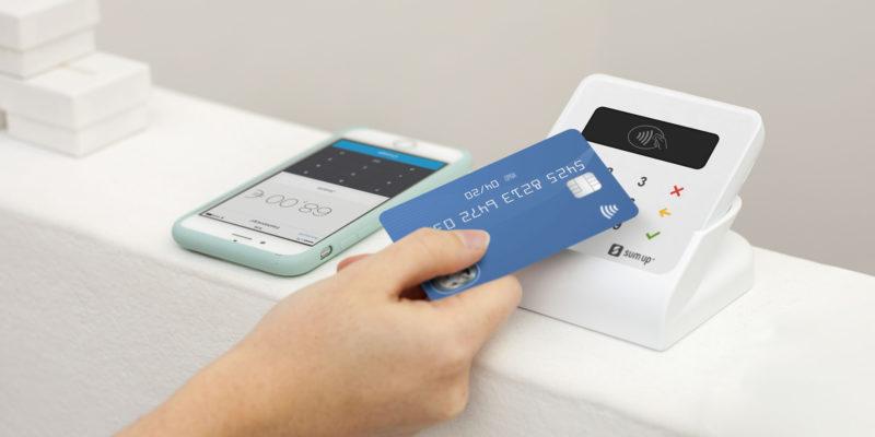 Divieto di applicazione supplementi di prezzo per l'uso di carte di debito/credito