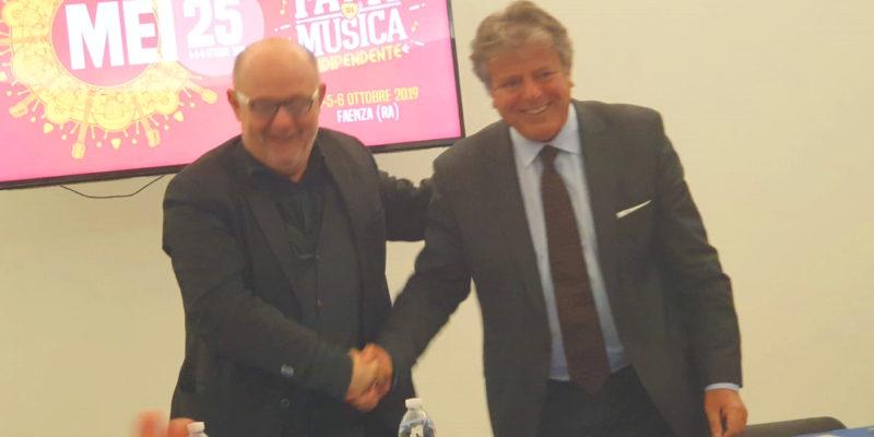 Al MEI di Faenza siglato un patto tra il presidente del SILB dell'Emilia Romagna, Gianni Indino e il direttore artistico Giordano Sangiorgi