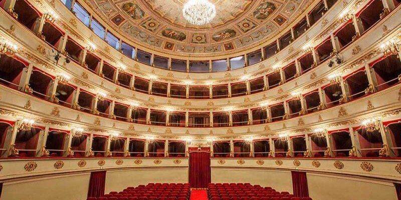 Le porte del Teatro Galli si aprono alle guide turistiche  di Confguide Rimini