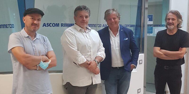 Indino incontra Filippo Regis, presidente SILS (Sindacato Italiano dei Lavoratori dello Spettacolo), e i rappresentanti regionali, i deejay Max Monti e Robertino